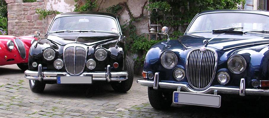Jaguar-Limousinen in der Barn