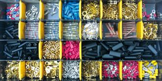 Montagezubehör, Stecker und Verbinder für Kabelbäume
