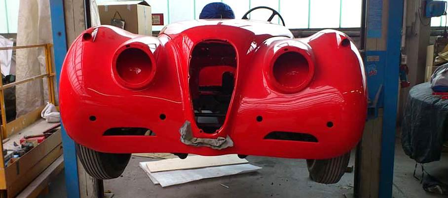 Jaguar XK 120 rot